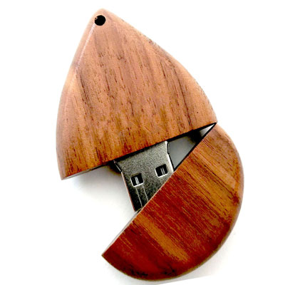 فلش مموری کادویی در قالب چوب